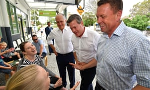 Malcolm Turnbull, Tim Nicholls and Scott Emerson talk to locals on the Queensland election trail.