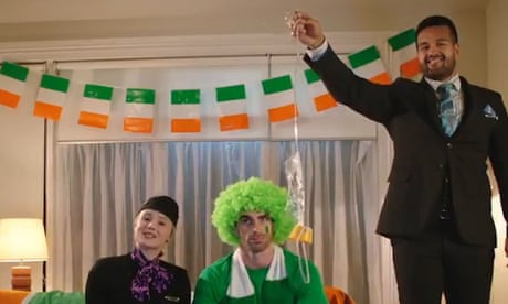 Air New Zealand pokes fun at Ireland fans before Rugby World Cup quarter-final – video