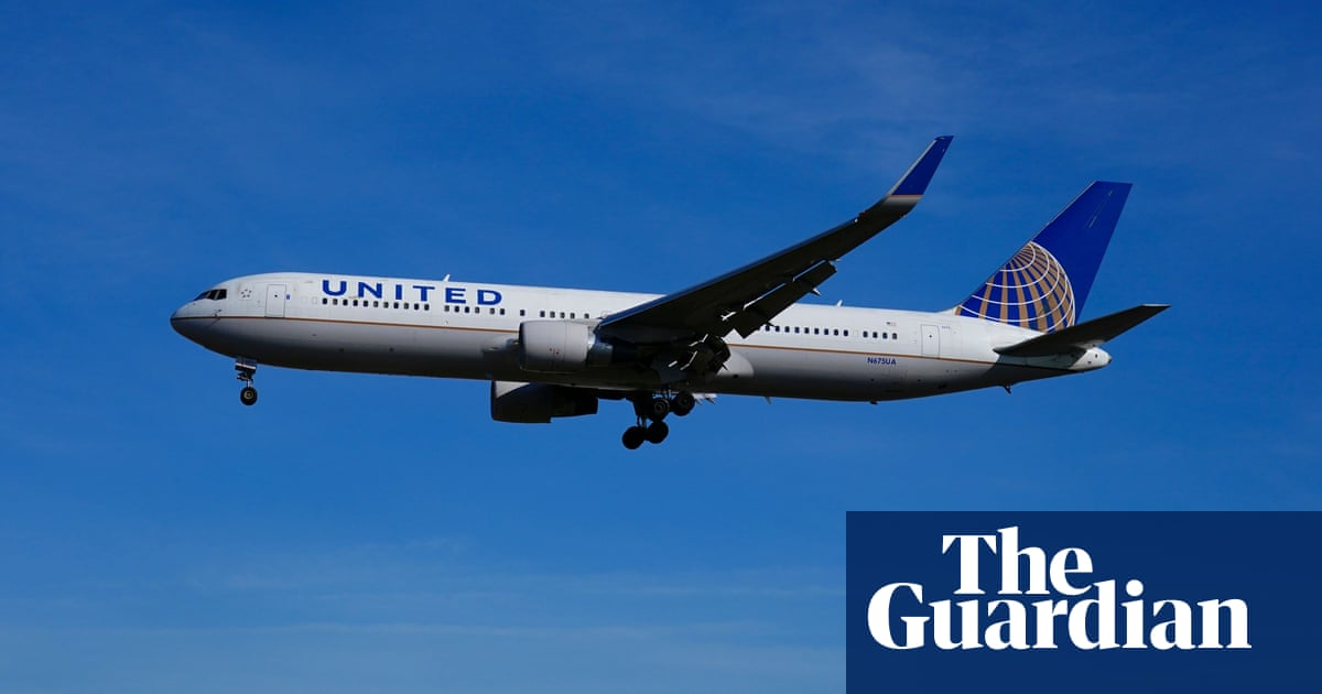 United Airlines set to fire nearly 600 workers for defying vaccine mandate