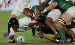 South Africa's Bongi Mbonambi forces England's Maro Itoje to spill the ball during Rugby World Cup final.