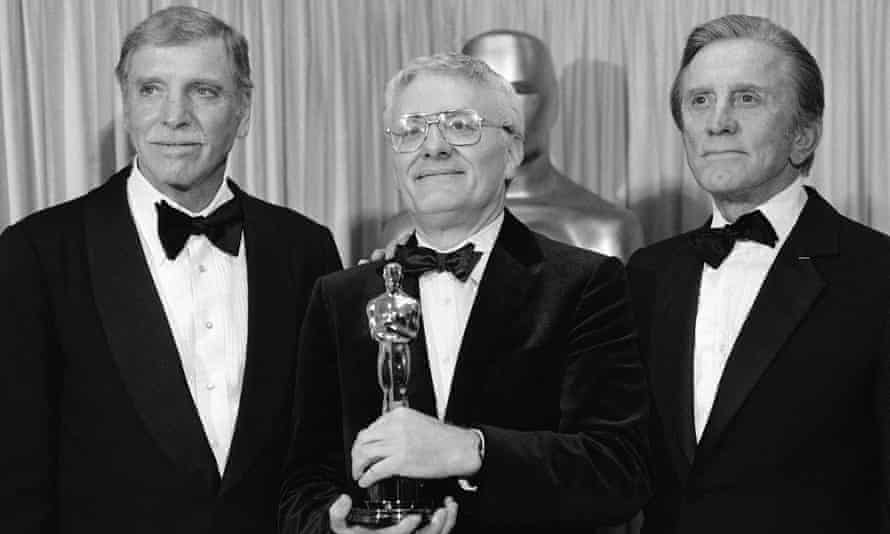 Shaffer with actors Burt Lancaster, left, and Kirk Douglas, right. The playwright had won best adapted screenplay at the 1985 Oscars.