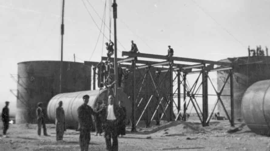 Workers about to hoist a tank into position at Shahrud Depot 1936-1943.
