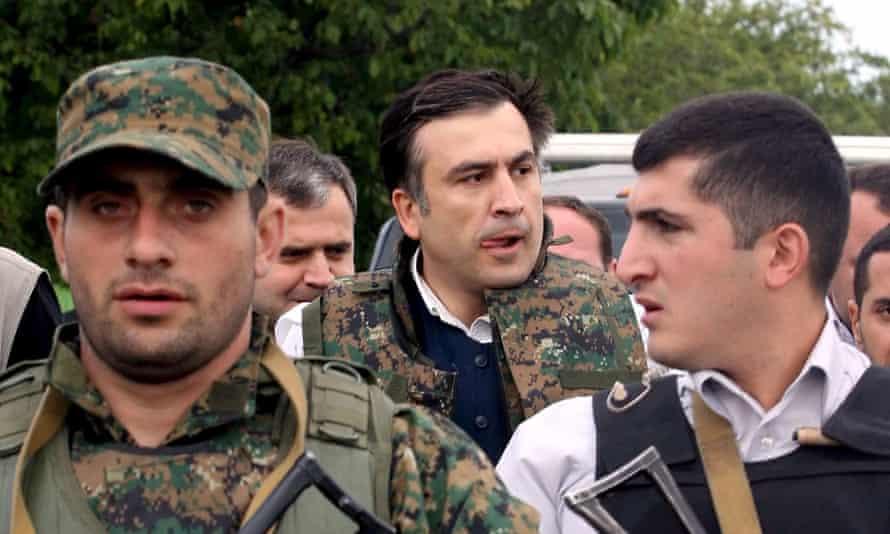 Mikhail Saakashvili visits Georgian troops in the village of Ergneti