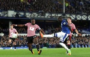 Niasse scores his Everton third.