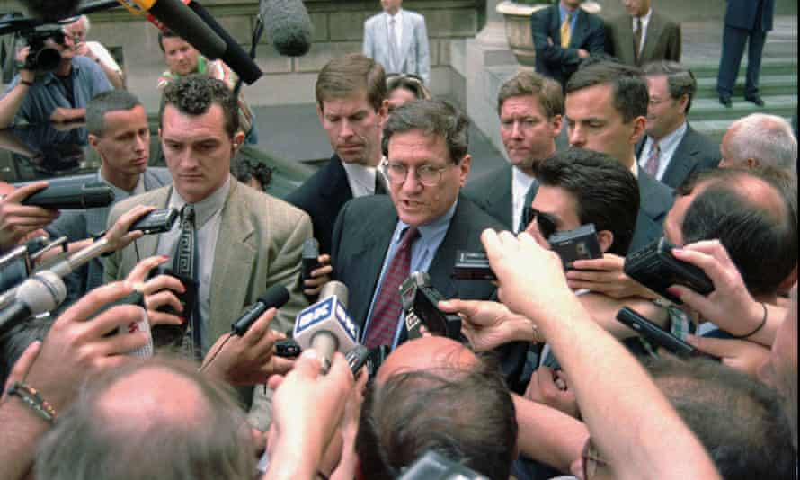 Holbrooke briefs the press in Belgrade, Serbia, 1996.