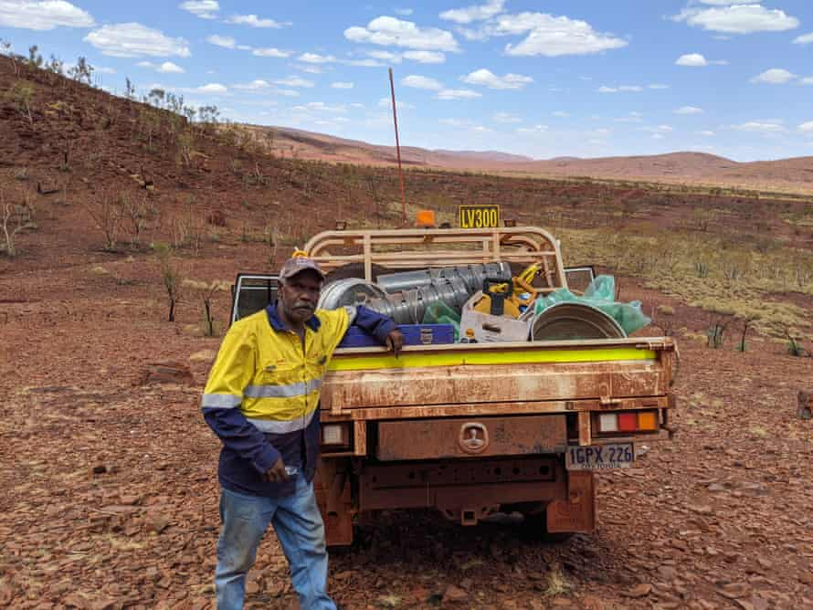 Traditional Owner Nathan Hicks at excavation of site S08=032 in Weelamurra valley.