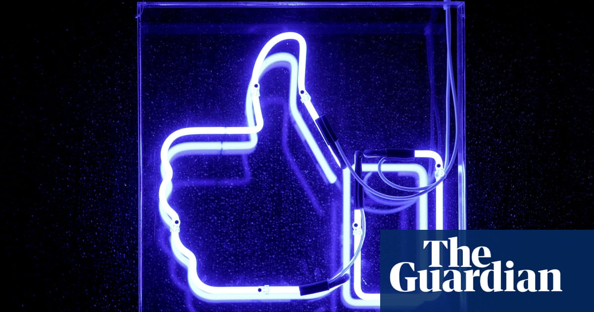 Facebook pulls 652 fake accounts and pages meant to influence world politics