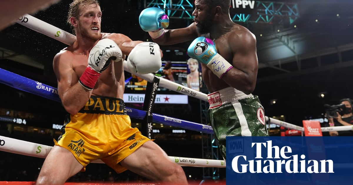 Logan Paul v Floyd Mayweather ends in boos as each fighter makes millions
