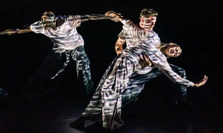 Russell Maliphant Dance Company in Silent Lines.