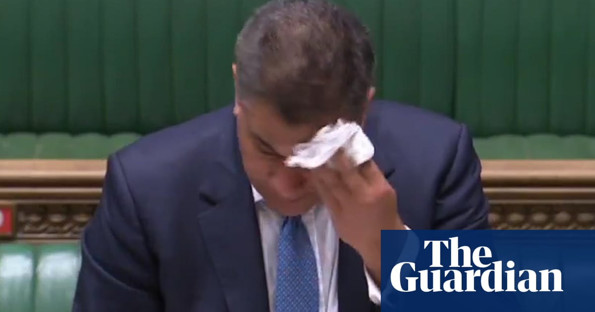 Business secretary Alok Sharma appears unwell in House of Commons chamber - video