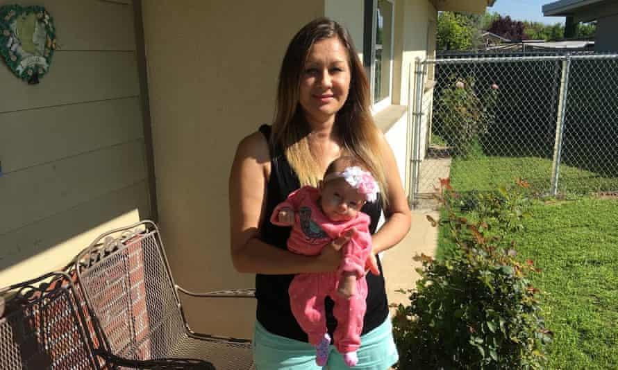 Zenaida Munño and her newborn
