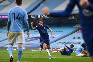 Marcos Alonso celebrates Chelsea's second goal.