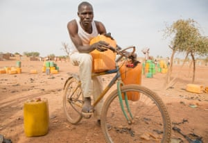 In Burkina Faso, Adama Kabore came to buy water from a water point in Guikofe, Ouagadougou, but he couldn't get any because the pump was broken