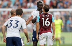Mark Noble square up to Moussa Sissoko