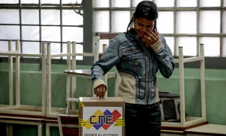 Venezualan at ballot box