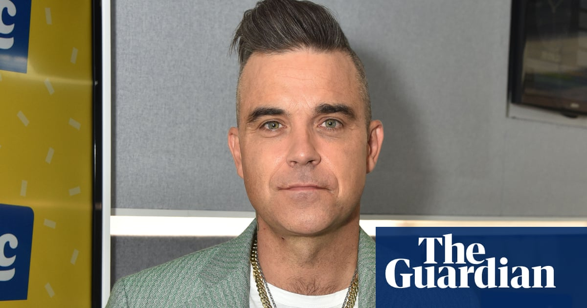 'I just don't like them': Robbie Williams hasn't owned a phone since 2006