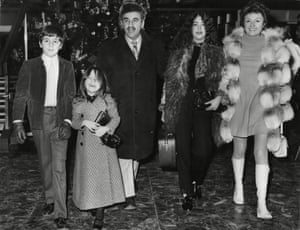 Warren Mitchell and wife Constance with children Rebecca, Daniel and Anna at a London airport in 1969