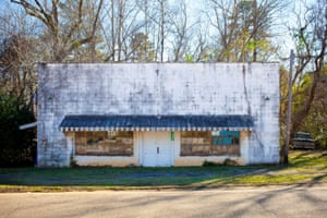 Auto repair shop, Oak Hill, Al. 2013