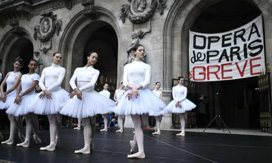 Dancers make their pensions strike protest in tutus in the Palais de l'Opéra, Paris.