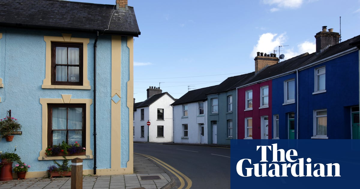 Let S Move To Lampeter Ceredigion A Neat Town If You Like