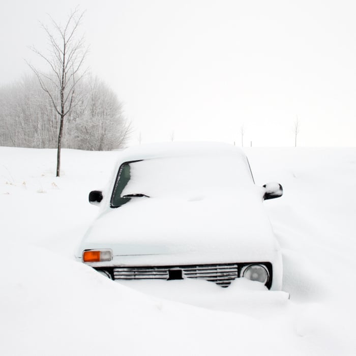 UK Bad Weather Shuts Schools Cuts Power And Disrupts Travel UK - 17 cars turned into art thanks to frosty winter weather