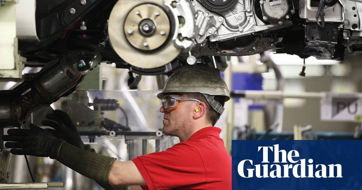 UK manufacturers held back by staff and parts shortages, survey finds