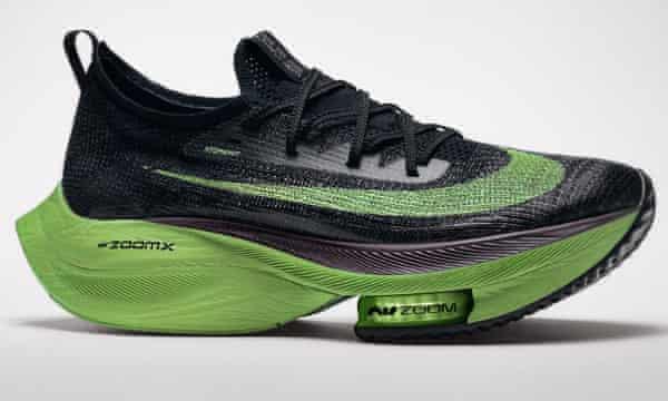Amigo por correspondencia domesticar En necesidad de  Nike stirs the pot with 'gamechanger' running shoe in step with new rules |  Athletics | The Guardian