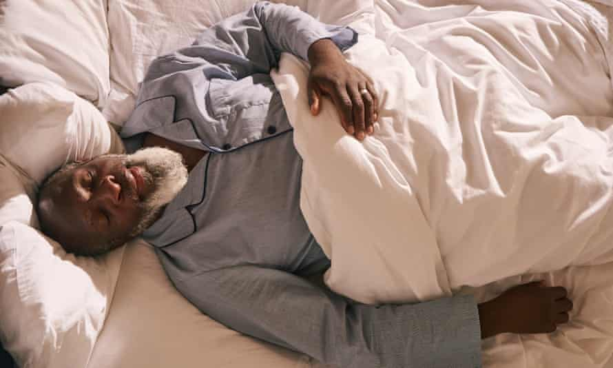 A short lie-in at weekends does no harm, a study shows.