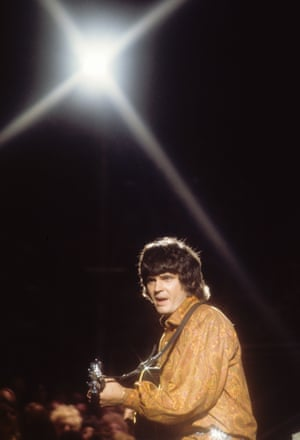 Everly performs in August 1970
