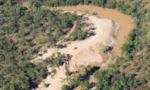In Stream Alluvial Mining, West Normanby River,