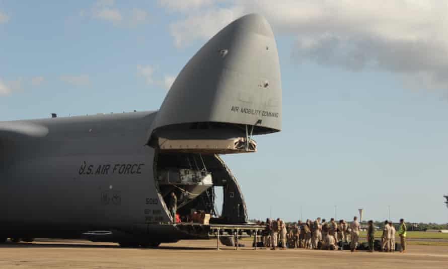 Thirty US marines arrive at Darwin's air force base in 2015.