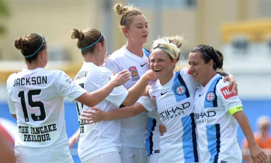 Kim Little scored the only goal of the game to give Melbourne City at 10th straight victory.