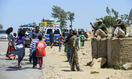 People go about their business along the border between Eritrea and Ethiopia