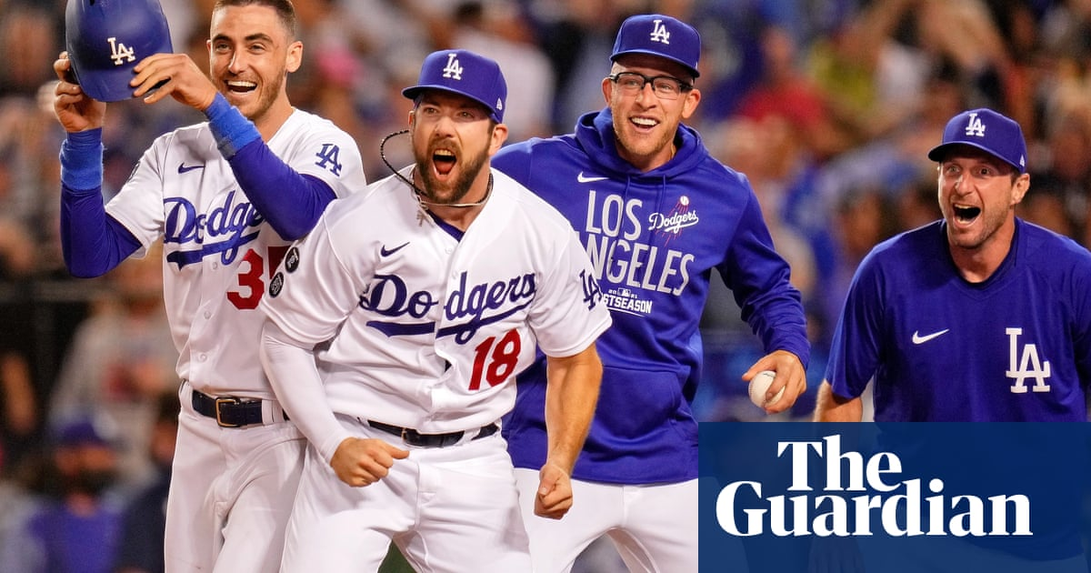 LA Dodgers down Cards in NL wild card game on Chris Taylor's walk-off shot