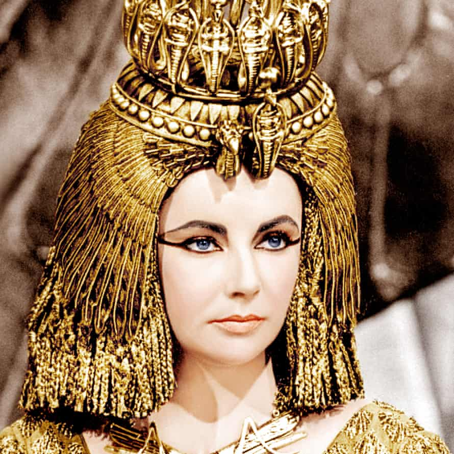 Carbon-lined brows: Cleopatra.