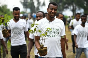 Ethiopians take part in a national tree-planting drive