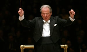 Sir Neville Marriner conducting the Academy of St Martin in the Fields at Carnegie Hall, New York, in 2007.