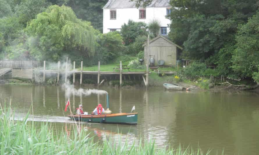 Steam boat near Tuckermarsh Quay