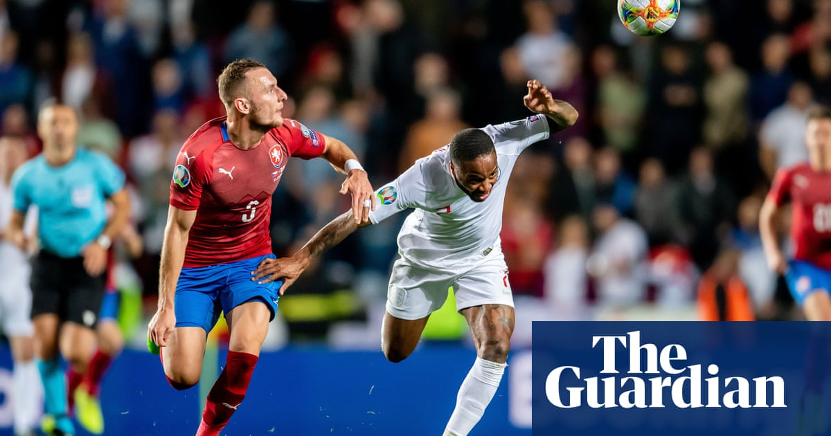 West Ham keen on Slavia Pragues Vladimir Coufal to fill right-back gap