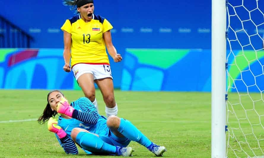 Hope Solo concedes a soft first goal against Colombia