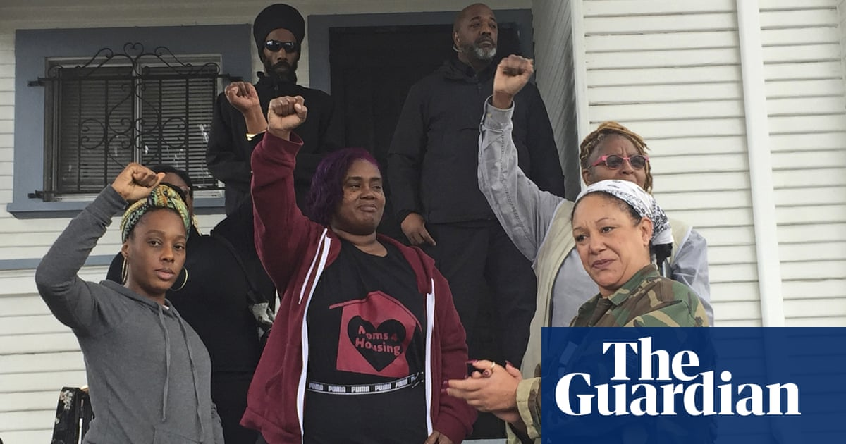 Mothers who occupied vacant Oakland house will be allowed to buy it thumbnail