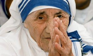 mother teresa to become saint amid criticism over miracles and  mother teresa greets people at the missionaries of charity for destitute children in delhi in 1997