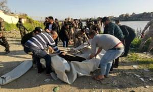 Iraqi rescuers