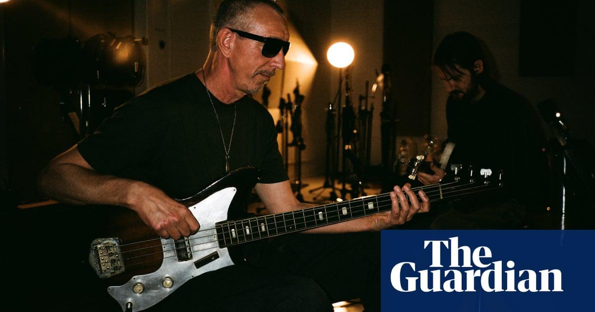 Pino Palladino, pops greatest bassist: I felt like a performing monkey!