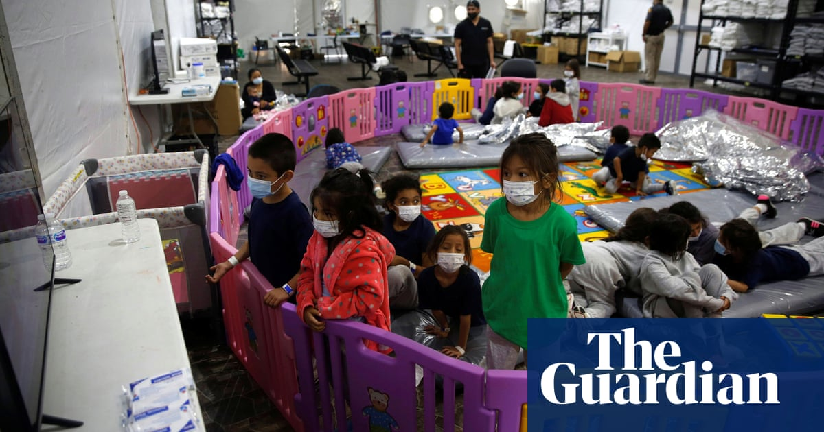 Journalists allowed inside facility for migrant children at US-Mexico border