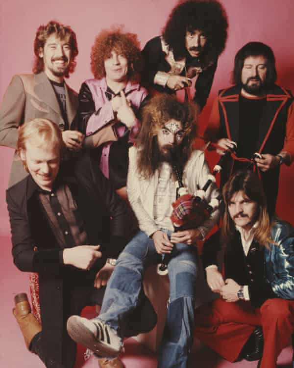 Wizzard, clockwise, from front left: saxophonist Nick Pentelow, drummer Keith Smart, keyboard player Bob Brady, drummer Charlie Grima, saxophonist Mike Burney, bassist Rick Price and Roy Wood.