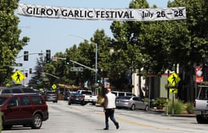 A sign advertising the Gilroy Garlic Festival, a popular event in California.