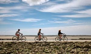 Cycling across the Passage du Gois tidal causeway to Noirmoutier.