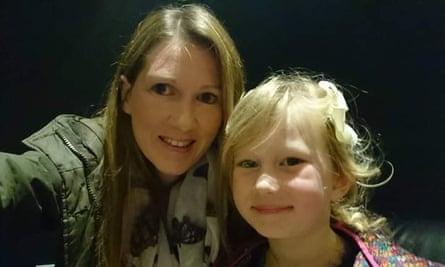 natalie, kızı ariana ile birlikte