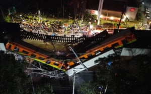 The overpass was about 5 metres (16ft) above the road in the southside borough of Tlahuac, but the train ran above a concrete median strip, which apparently lessened the casualties among motorists on the road below
